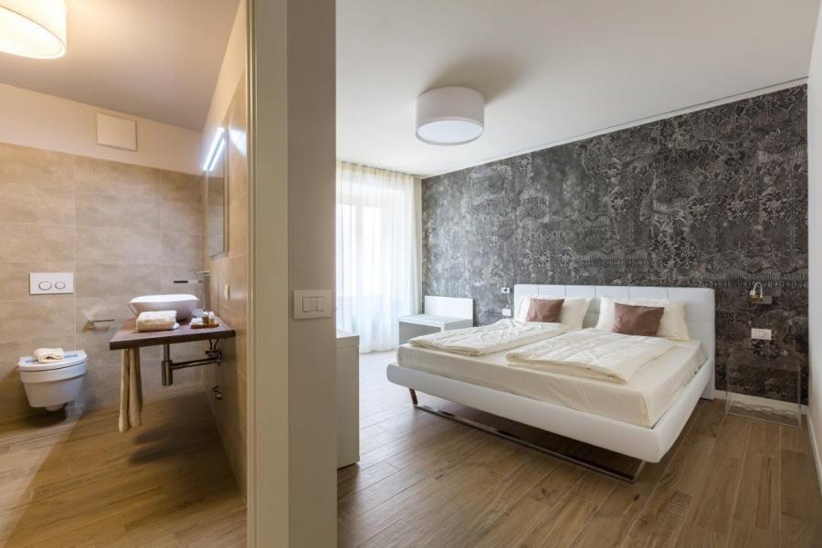 Nuovo Hotel pavimento in Gres e rivestimento bagno